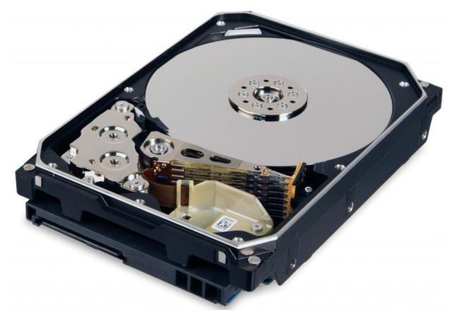硬盘充氦技术是将硬盘做成全密封结构
